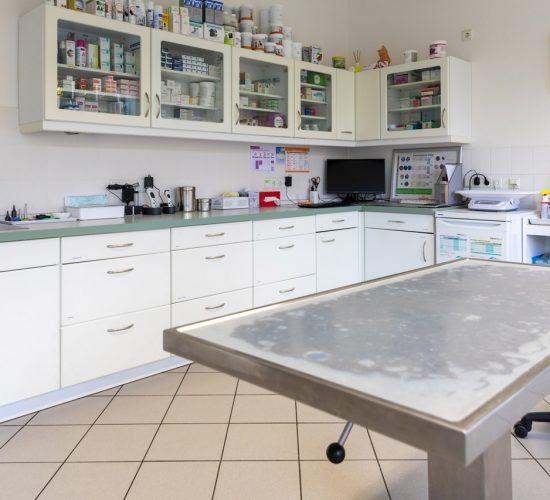 Ein Untersuchungsraum der Tierarztpraxis Paeger