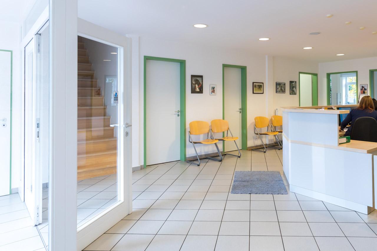 Der Eingangsbereich der Tierarztpraxis Paeger